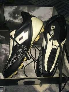 Lotto soccer boots