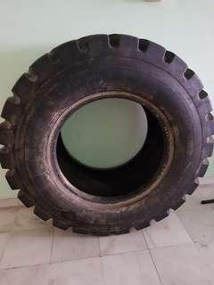 Heavy Duty Tyre (Tayar)