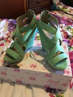 Green wedges size 6
