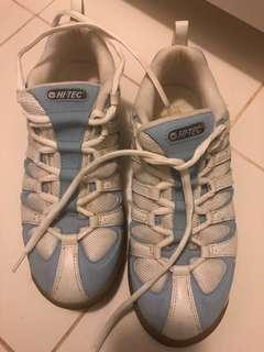 Indoor sneakers