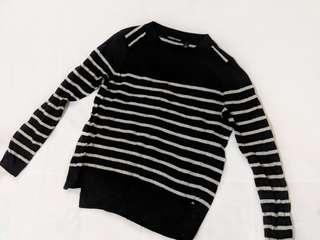 Country Road - Black and grey knit jumper