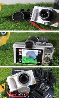 Pocket Camera Panasonic Lumix DMX LX 5