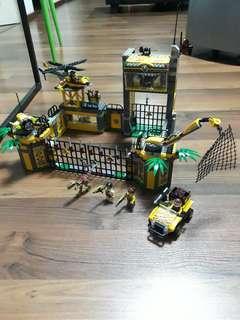 Lego Dino Dino Defence HQ