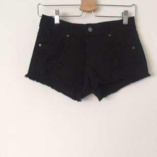 zara 彈性厚牛仔短褲