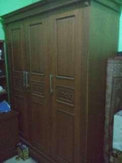 lemari kayu jati dan meja rias