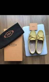Tod's nubuck newlace shoe lace slip on casual shoes driving loafers