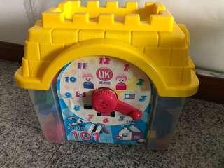 Ok Clock Blocks 1 container