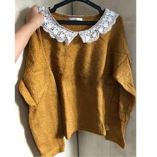 olive des olive lace collar sweater (fits S-M)