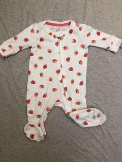 Gap女嬰草莓連身衣
