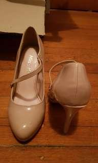 💢REDUCED PRICE💢 Miss Kurt Geiger Nude Heels Size 6