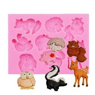 Forest Animals Mold 8 in 1 / forests animal fox foxes pig pigs squirrels squirrel deer owl owls hedgehog hedgehogs bird birds