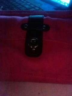 Woman's strapless purse.