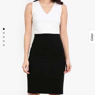 ALL NEW | Black/White Bodycon Dress (L)