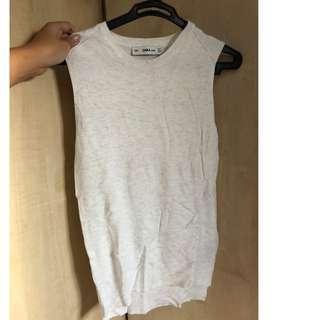 zara greyish white knit sleeveless top (fits XS-S)