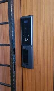 Installation China lock