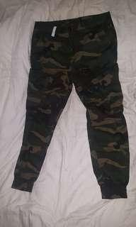 THE CROWN GRADE CAMOUFLAGE  JOGGER