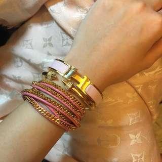 Hermès 珐廊粉紅色手環