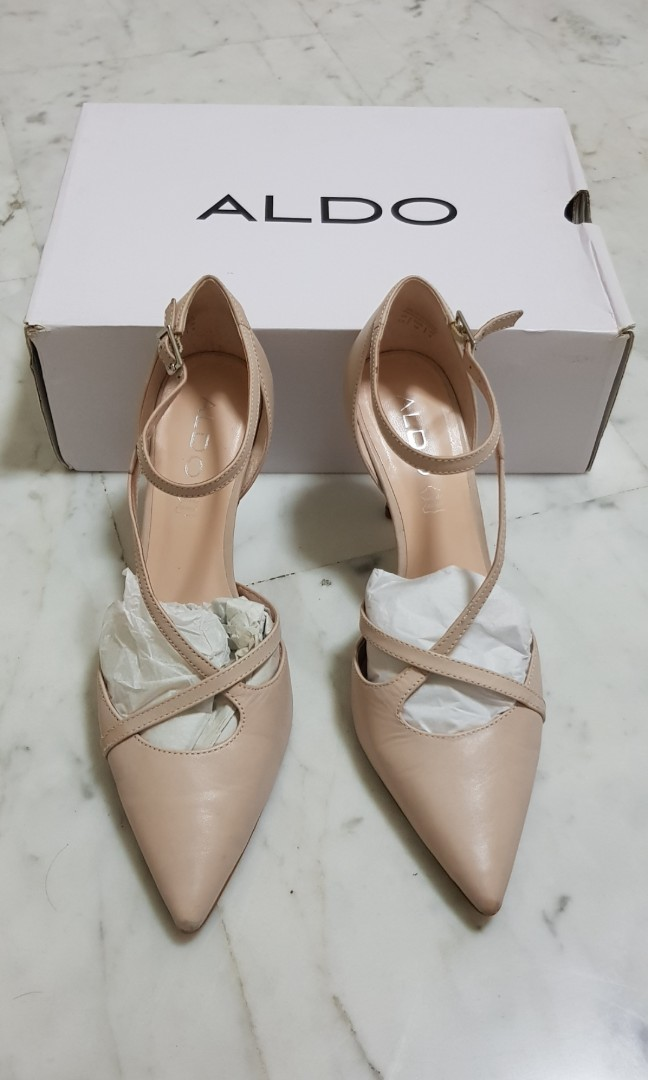 1cf87d04f2c8 Aldo Pointed Toe Leather Heels US 8.5 EU 39