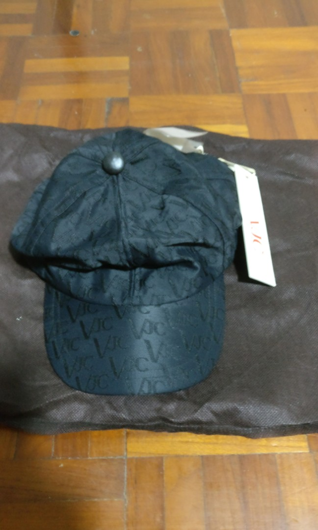 6be199637afca Brand new Versace VJC Cap