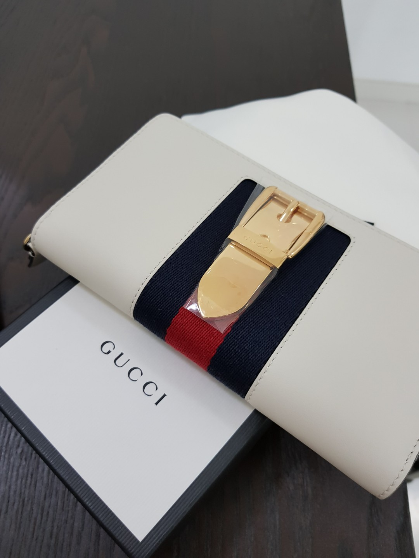 e76bf82e4dfaea Gucci Sylvie Leather Zip Around Wallet BNIB, Luxury, Bags & Wallets ...