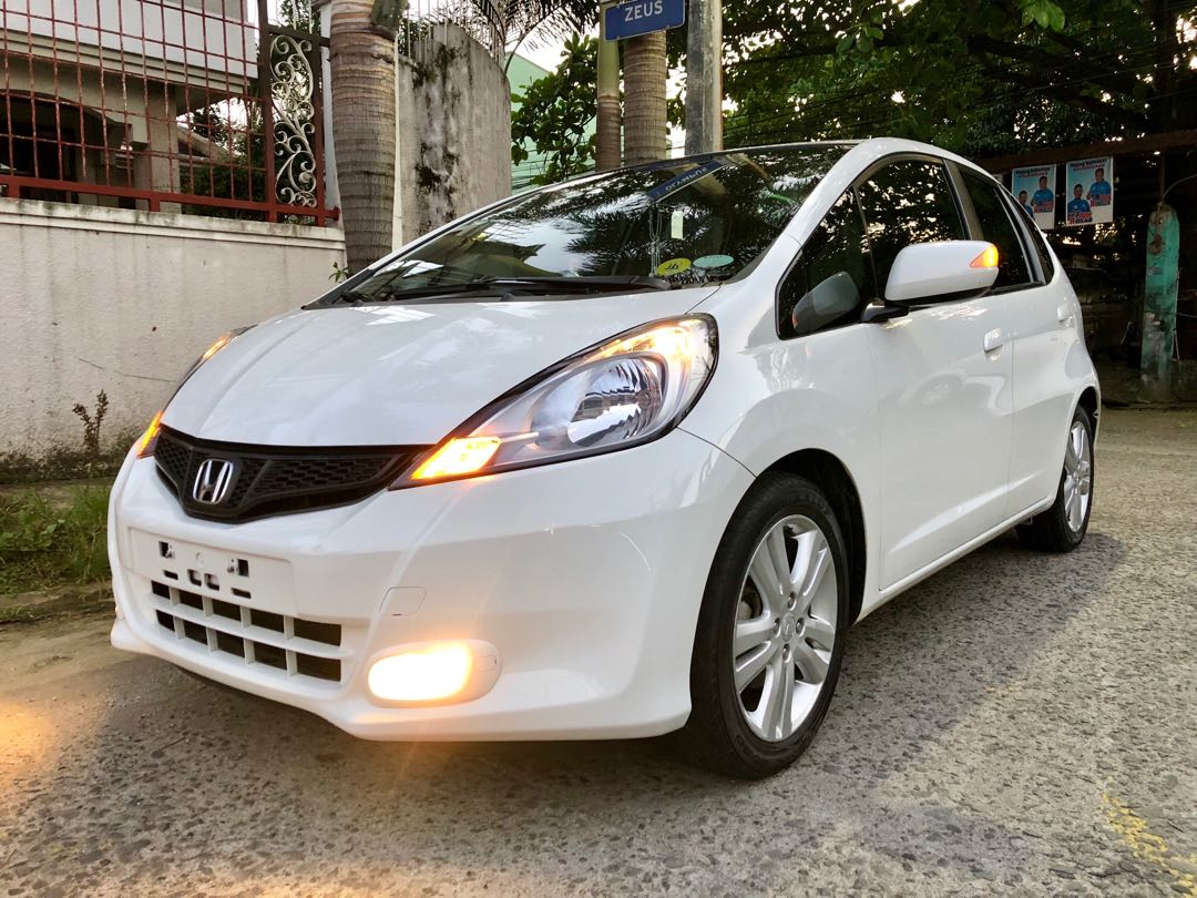 honda jazz 2012 top of the line cars cars for sale on carousell. Black Bedroom Furniture Sets. Home Design Ideas