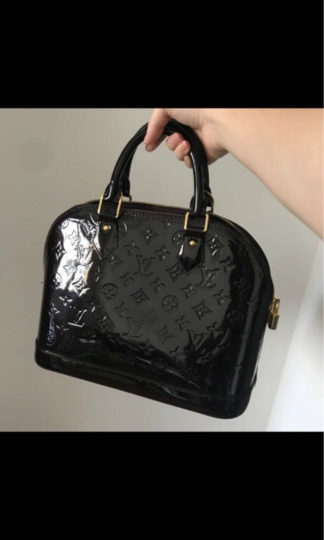 3d4ec67fb3 Home · Luxury · Bags   Wallets · Handbags. photo photo photo photo