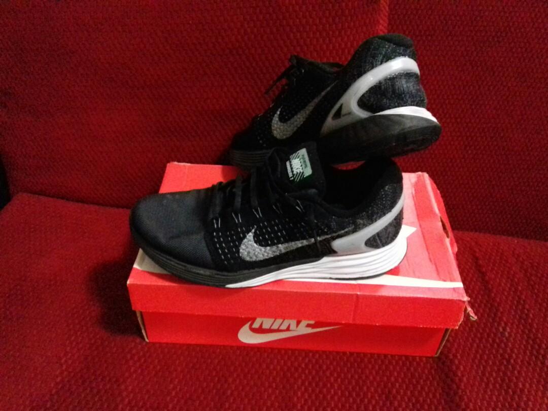 Nike Lunarglide Fesyen Pria Sepatu Sneakers Di Carousell