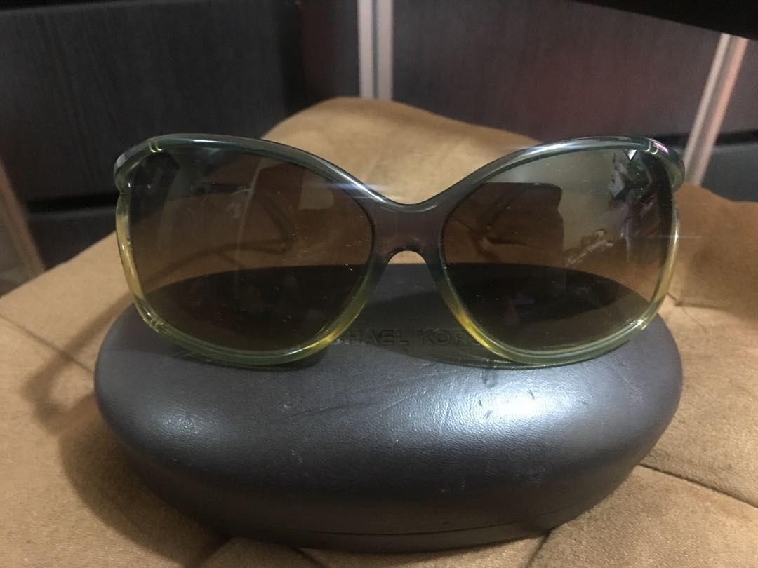 5905d11c9a SALE‼️Auth Michael Kors Green Tortoise Side-peep Plastic Sunglasses ...