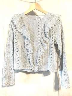 🈹藍白通花荷葉領上衣 Crochet blouse top