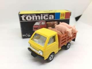 黑盒黃頭豬