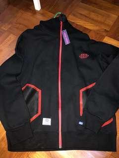 Man Jacket 外套 100% New