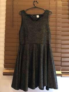 Soiree Black and Gold Shimmery Dress