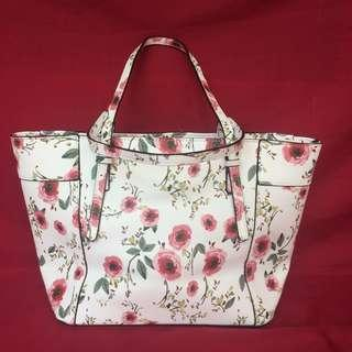 GUESS FLORAL TOTE BAGS