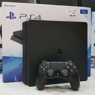 PS4 Slim (1TB)