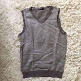 Man Grey knitting vest