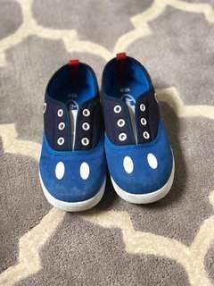 Sepatu mickey original
