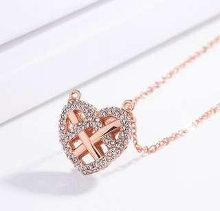 Three-dimensional heart-shaped necklace ladies beautiful sweater chain