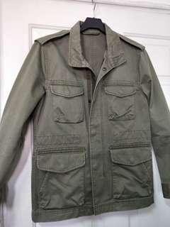 🚚 GU洗舊軍裝外套,S號,M號可參考,厚實硬挺版