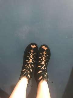 🚚 Paul&joe 軟牛麂皮羅馬洞洞鞋 義大利製