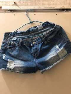 🚚 短褲(二手)