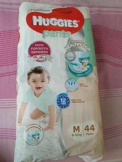 Huggies platinum diaper pants M size 8-12 kg
