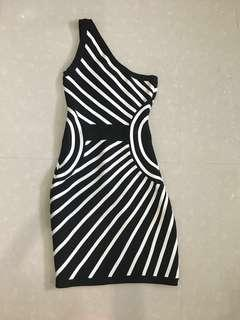 Black and White one shoulder dress! (High Quality Fabric)?