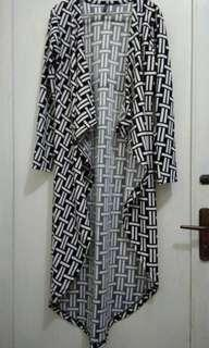Outer wear pattern black white outer hitam murah