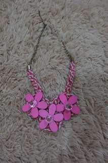 Kalung Bunga Pink - PRELOVED