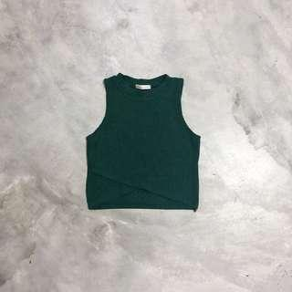 sleeveless overlap crop top in forest