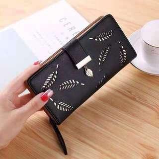 Fashion Wallet Leaves Design