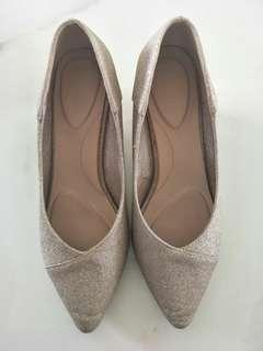 High heel pointed shoes