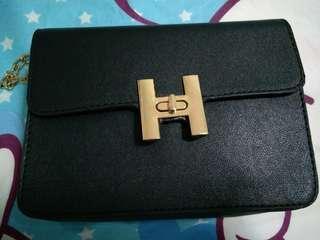 Clear fast! Mini black sling bag