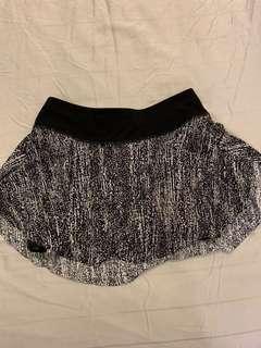 Lululemon skorts skirt shorts size 2