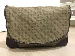 GUESS ORI Laptop / clutch bag Sz L